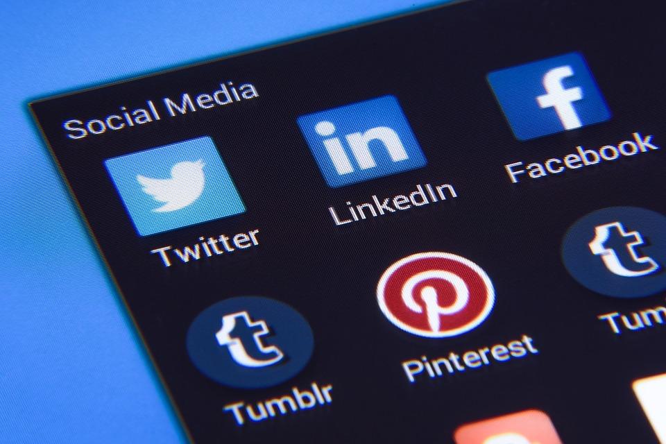 SNSを最大活用して集客に繋げよう!発信する時の大切なポイントは?